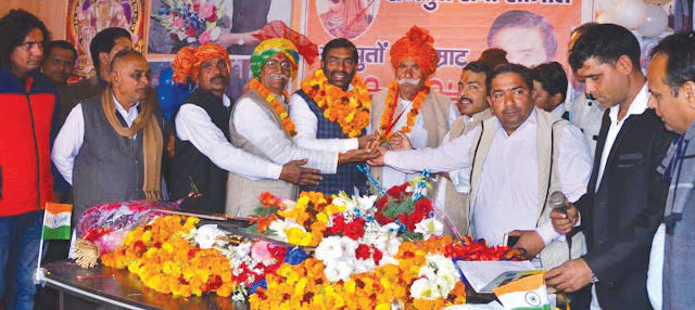 Young President of Sri Maharana Pratap Rajput Seva Samiti Vikas Thakur honored the elderly