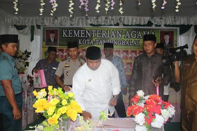 Walikota Tanjungbalai Kunjungi Stand Kemenag Tanjungbalai