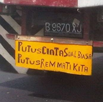 variasi tulisan di bak truk yang unik dan lucu