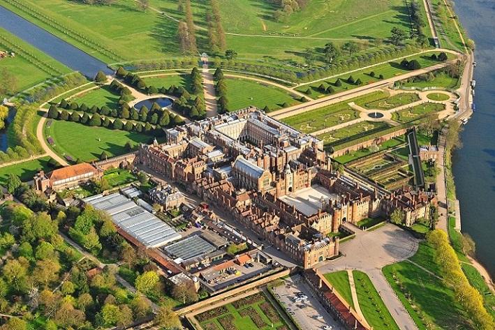 Hampton Court, Labirin Alam Terkenal di Inggris