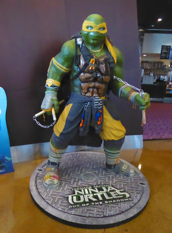 Michelangelo Teenage Mutant Ninja Turtles 2 statue
