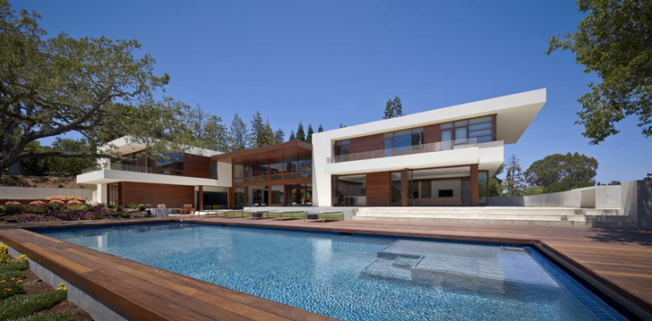 world of architecture 33 modern houses with pools. Black Bedroom Furniture Sets. Home Design Ideas