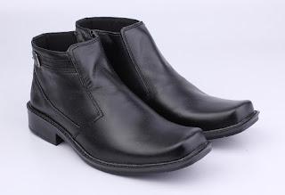 sepatu kerja pdh,sepatu kerja bbots resleting,grosir sepatu boots kerja,sepatu boots formal kulit asli,toko online sepatu kerja boots,sepatu kerja lapangan bahan kulit,model sepatu kantor pegawai bank