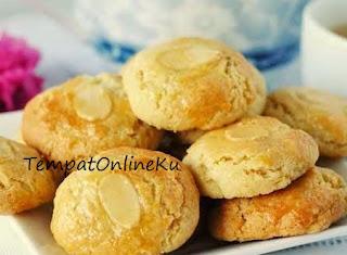 kue kering almond renyah lezat