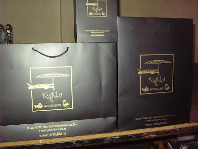siyah baskılı poşet
