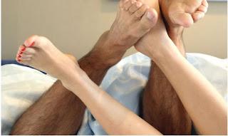 4 Posisi Seks yang Dapat Mematahkan Penis Anda (Gambar)