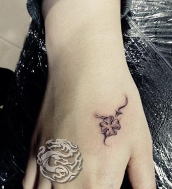 Free Tattoo Designs Small Flower Tattoo Designs