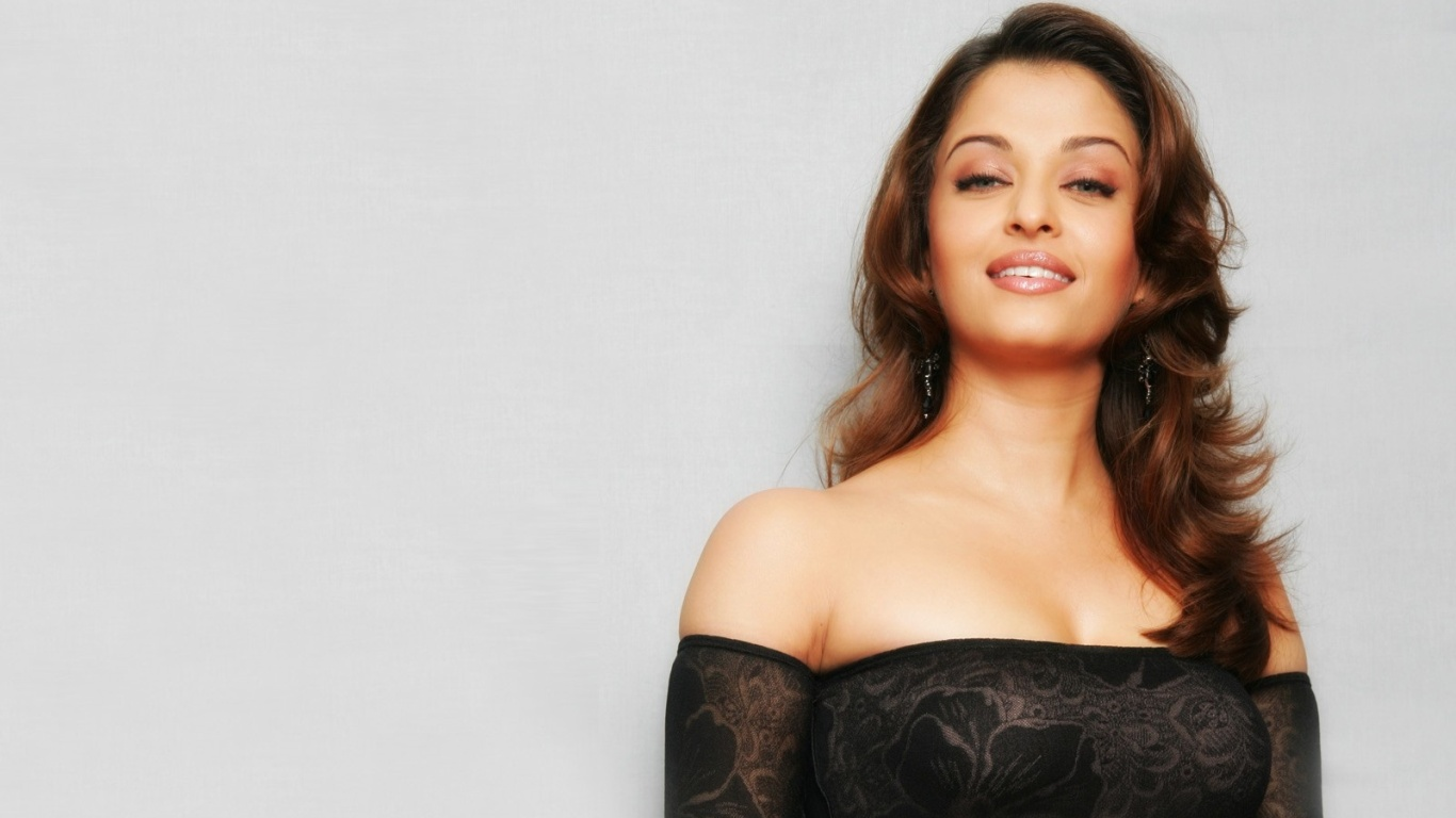Aishwarya Rai Hot Wallpapers  Hot Wallpapers-4193