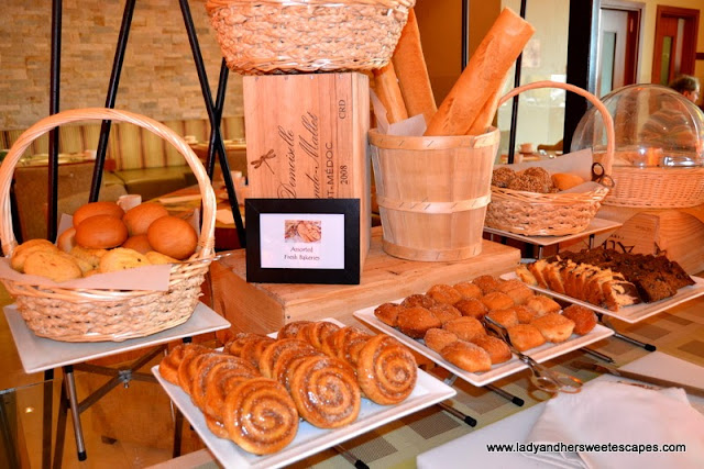 Bread and pastries at Choices in Yas Island Rotana