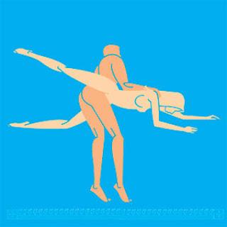Nàng ngây ngất với tư thế yêu khiêu vũ