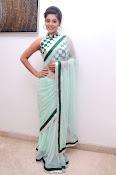 Yamini Bhaskar latest glamorous photos-thumbnail-1