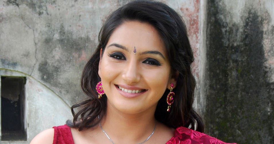 Ragini Dwivedis Bikini Photo From Shivam Kannada Actor Edakallu Ragini Dwivedi Born  Is An Indian Film Actress And Model Who
