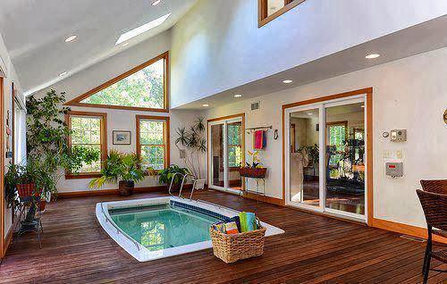Vd im veis as mais belas piscinas internas for Piscina in casa