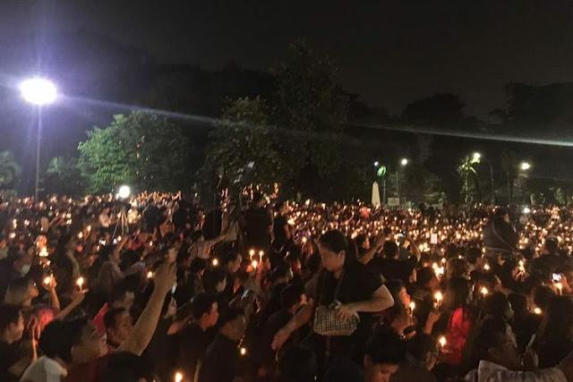 Aksi Solidaritas Seribu Lilin di Tugu Proklamasi Jakarta Untuk Ahok