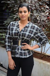 Hebbah Patel Latest Photo Shoot Stills, Hebbah Patel Photos From 24 Kisses Movie!