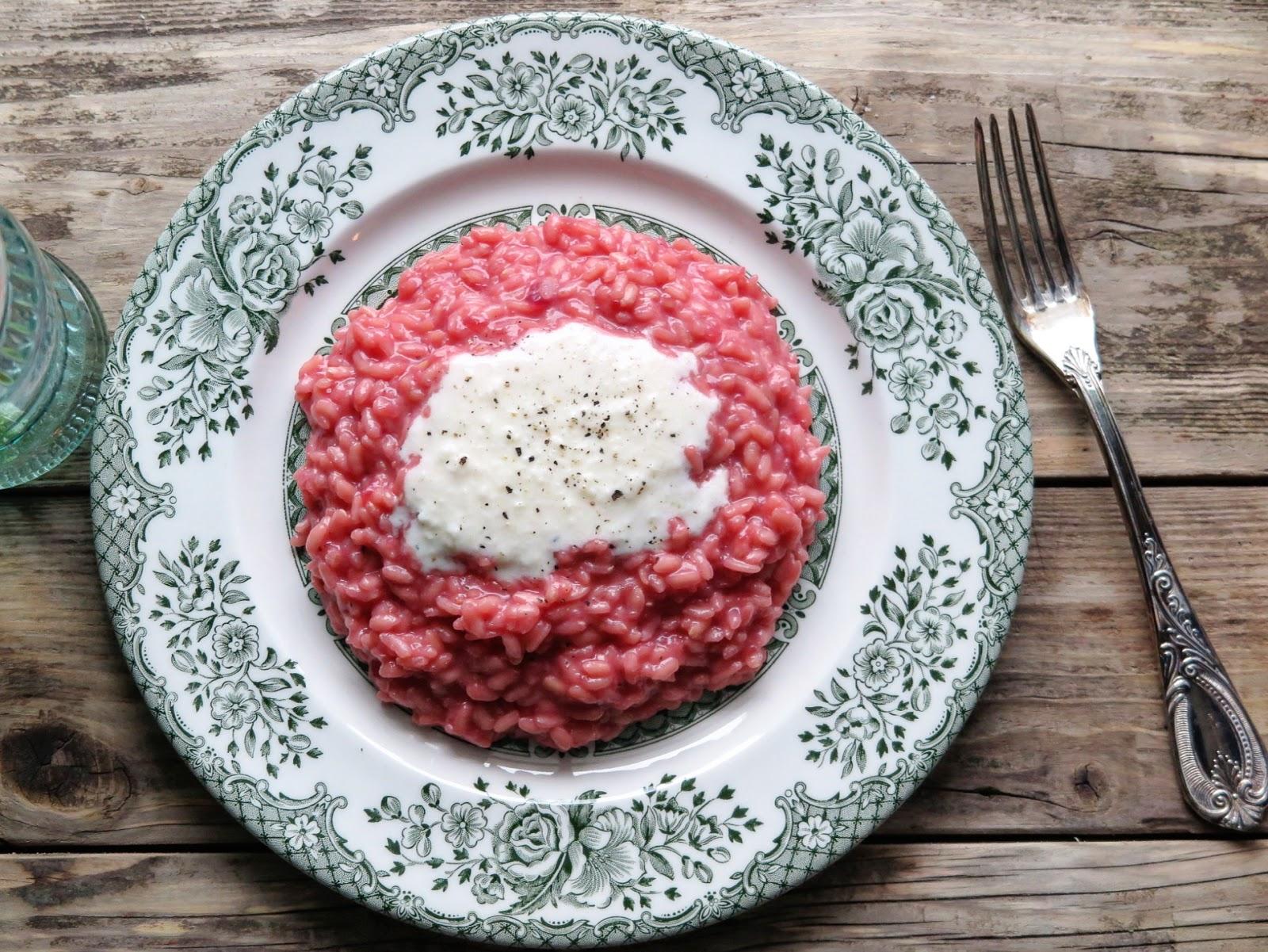 Risotto alla barbabietola rossa con fonduta di taleggio for Cucinare barbabietole
