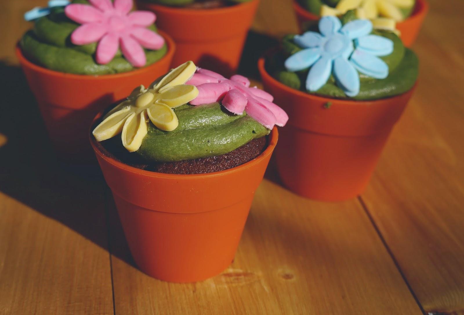 Surprise Inside Flowerpot Chocolate Cupcakes