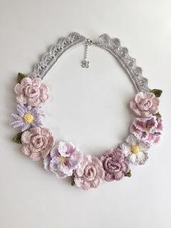 collar-peter-pan-flores-ganchillo