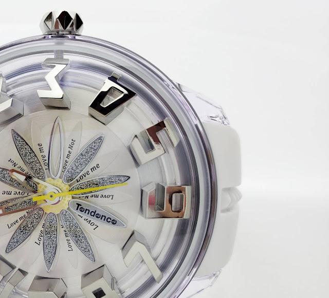 斬新なデザイン性で注目を集めるスイスの腕時計ブランド「Tendence(テンデンス)」   ウォッチ 腕時計 テンデンス TENDENCE  ラグジュアリー プレゼント 人気 ブランド ファッション誌 キングドーム ファッション おしゃれ 可愛い クレイジー カラフル De'Color ディカラー Gulliver Round ガリバーラウンド ALUTECH Gulliver アルテックガリバー FLASH フラッシュ 新作 雑誌掲載 KingDome フェア開催中 大阪 梅田 時計