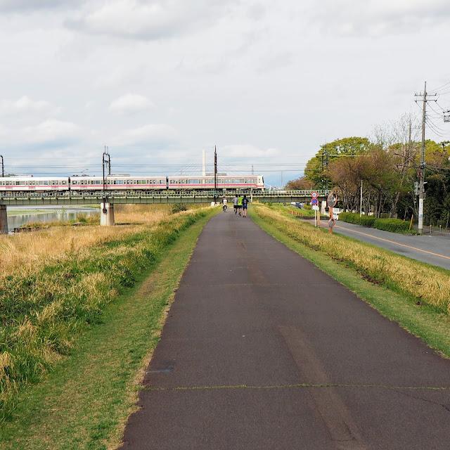 多摩川サイクリングロード 京王線