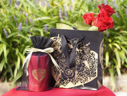 薔薇のコンフィチュール(ジャム)、「ささやき」のショッパーとラッピング袋をお創りいたしました。