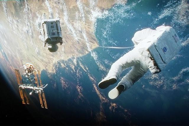 Filme de ficção científica chamado Gravidade