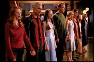 Buffy, cazavampiros: Otra vez con más sentimiento (Buffy the Vampire Slayer: Once More, with Feeling, 2001)