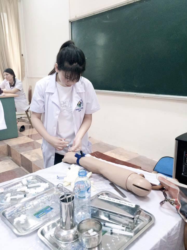 18e424eda Cách xử lý tình huống thường gặp ngoài Lâm sàng cho Điều dưỡng viên. Tình  huống 8  Bệnh nhân bất tỉnh không có người nhà