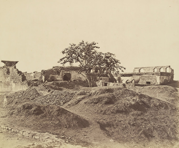 Ruined Pahoree por Battery after Indian Mutiny - Delhi 1858
