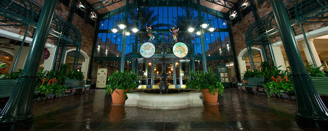 Revel in the romance and pageantry of New Orleans's historic French Quarter at this Moderate Resort hotel in Orlando, where cobblestone streets, gas lamps, wrought-iron balconies and fragrant magnolia blossoms evoke the Antebellum era and colorful Mardi Gras characters and jazz keep things lively.