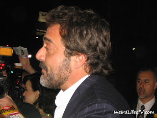 Jeffrey Dean Morgan signing autographs for fans