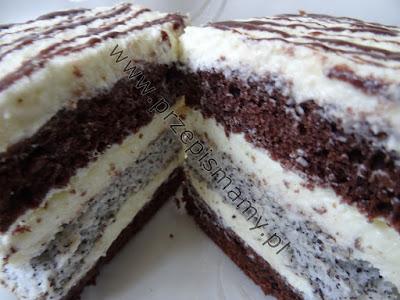 Biszkopt czekoladowy z wkładką makową