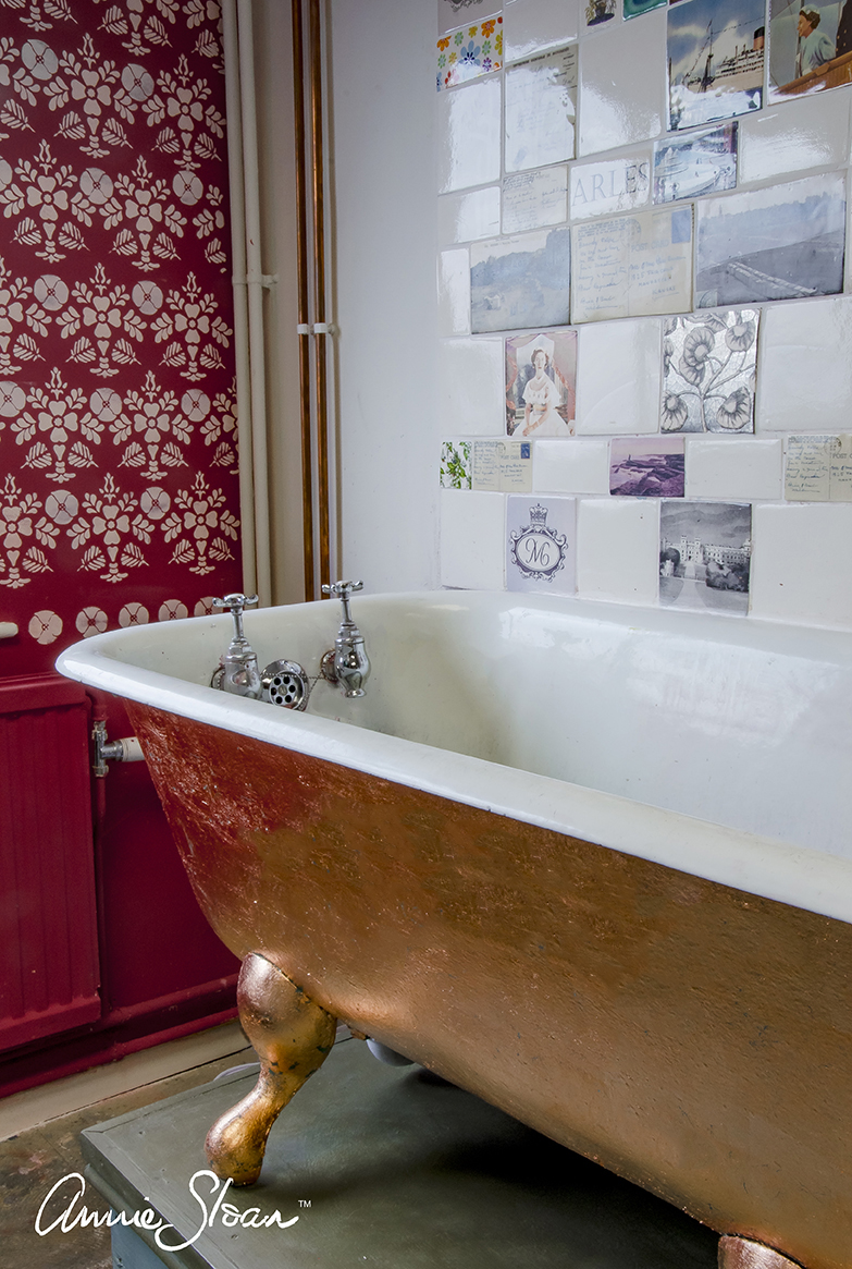 Annie Sloan • Paint & Colour: A painted and gilded bath at Annie ...