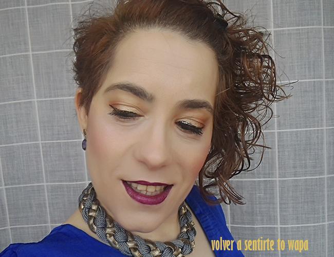 Maquillaje bronce y labios burdeos para la cena de empresa
