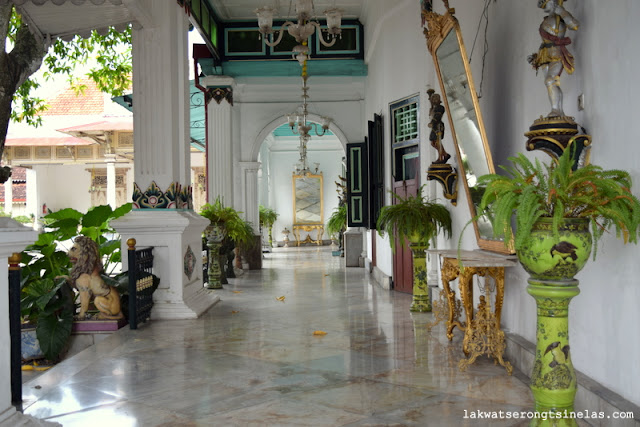 "TRAVEL GUIDE: IT'S ALL ABOUT YOGYAKARTA (""JOGJAKARTA"")"