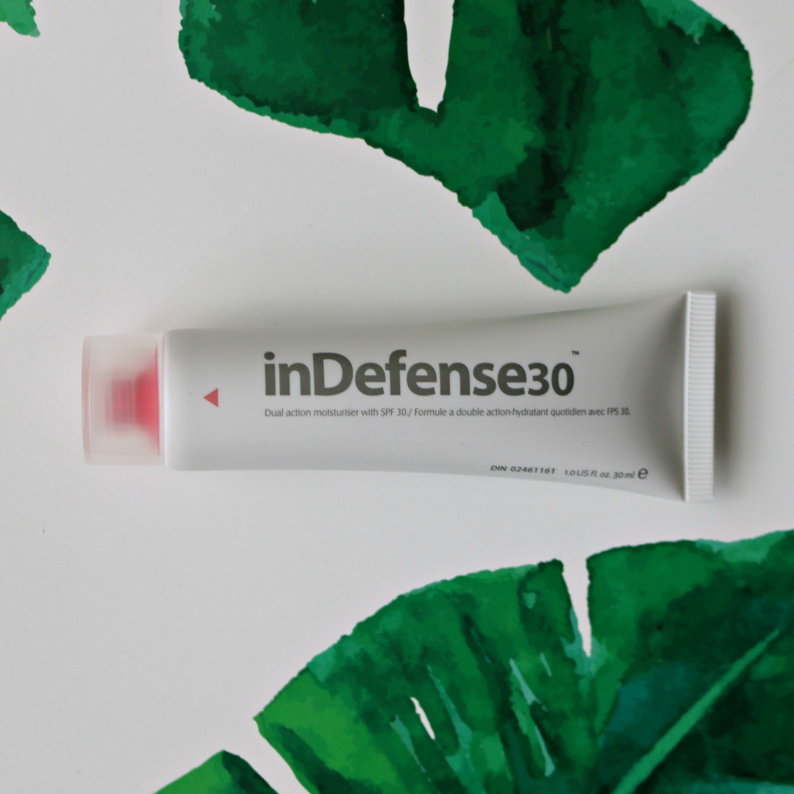 My Top 5 Cruelty Free And Travel Friendly Facial Sunscreens Aimons Universal Adaptor All In One International Charger White This Brand Is Montreal Based Their Products Are Made Here As Well I Am A Big Fan