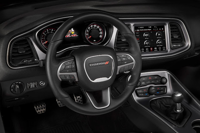 Interior view of 2019 Dodge Challenger R/T Scat Pack Widebody