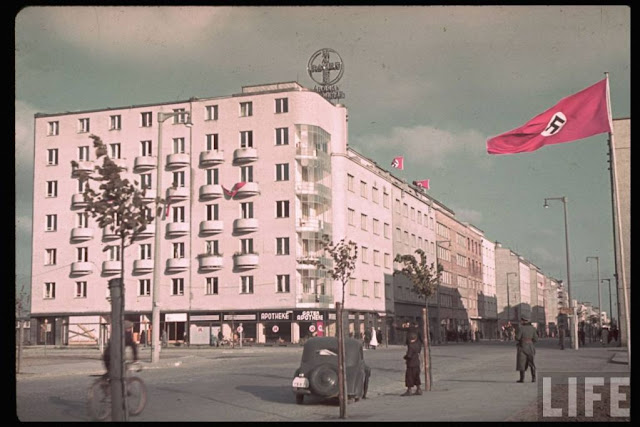 Gdynia Gotenhafen 1939 color photos World War II worldwartwo.filminspector.com