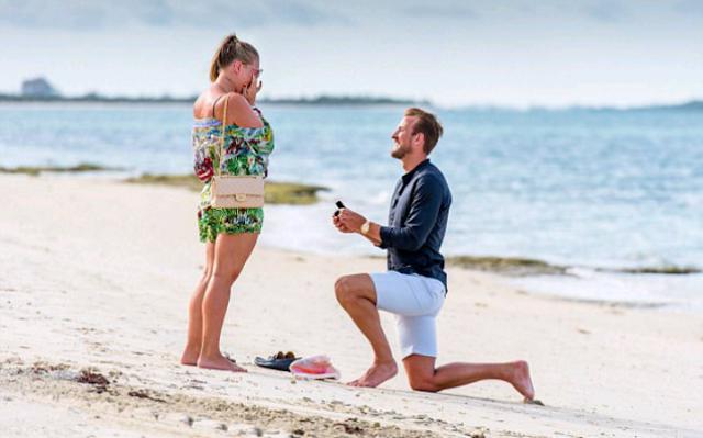 Harry Kane proposes to Kate
