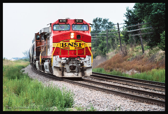 BNSF 614 - ex-SF Warbonnet - Ottumwa Subdivision - Lockridge