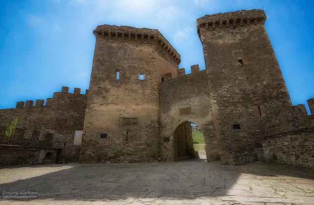 Главные ворота. Судакская крепость, Крым.