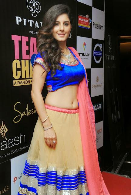 Isha Talwar Navel Show Photos At TC Fashion Week 3 - Malayalam Actress Isha Talwar Hot annuring naval showing Images collection