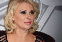 Uomini e Donne, Tina Cipollari: lo scherzo ad Angela lascia senza parole. C'è di mezzo suo fratello