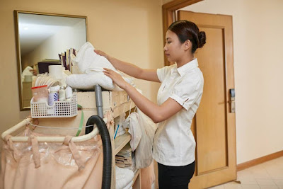 Hotel Cleaning staff in Tokyo JR Yamanote