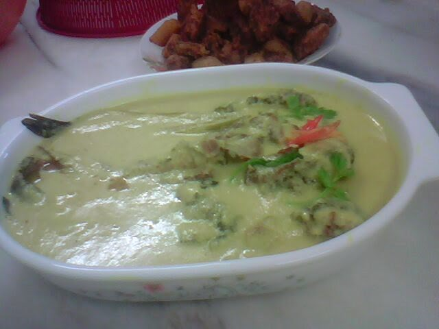 Resepi Masak Lemak Ikan Keli Salai Tempoyak   ~Dominasi Pertamaku // My First Domination~