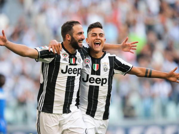 Gonzalo Higuain and Paolo Dybala - Juvelution