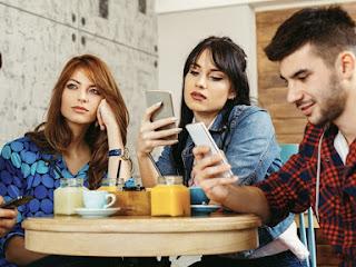 Efek Media Sosial bagi Keluarga Anda