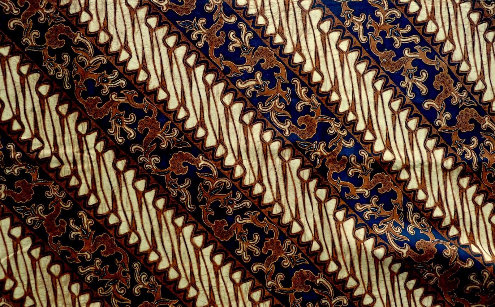 Motif batik Solo memiliki ciri khas geometris pada batiknya. Contohnya  Sidomukti f21d76fb8b