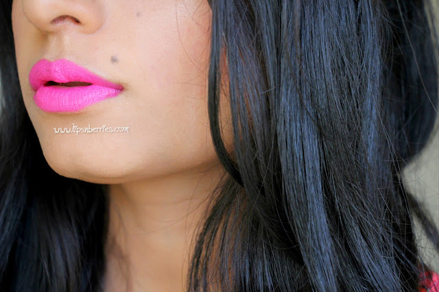 MAC candy yum yum lip swatch