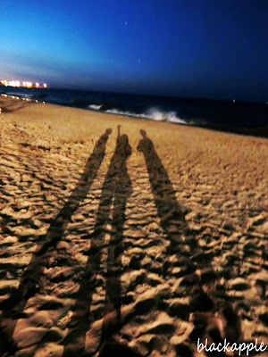 Chicago Oak Street Beach_shadows